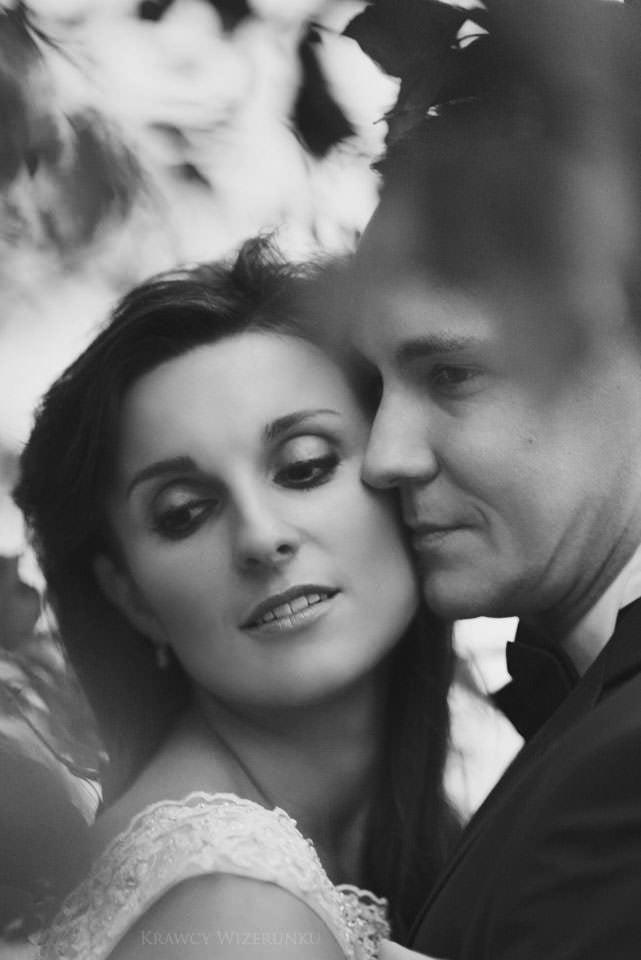 Kamila i Patryk | zdjęcia ślubne Mazury | sesja w opuszczonym pałacu 1