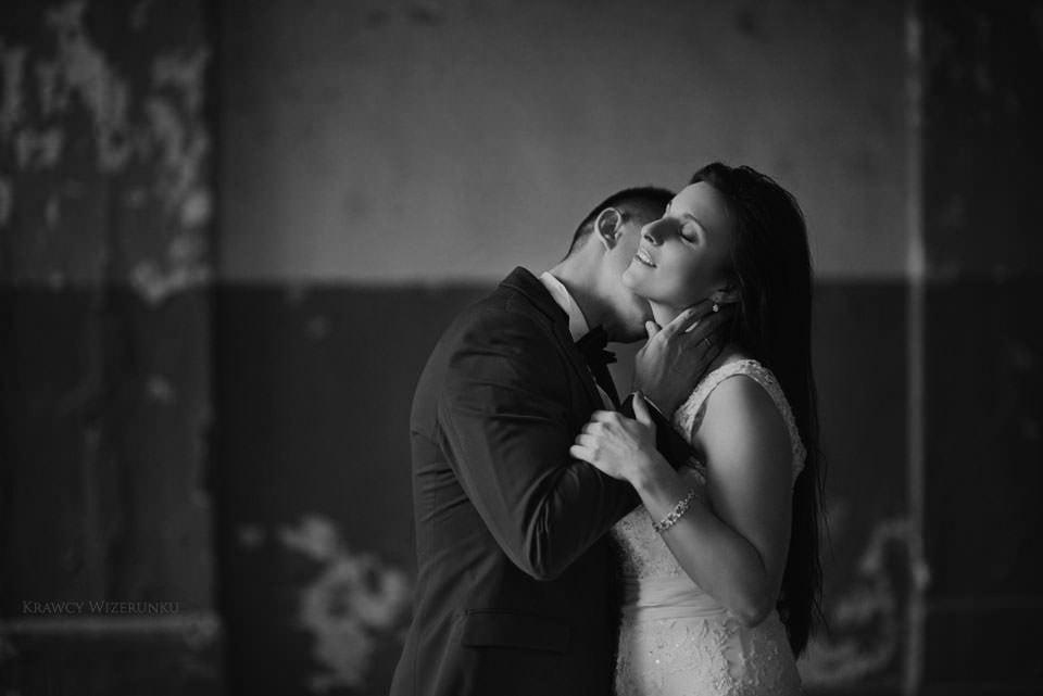 Kamila i Patryk | zdjęcia ślubne Mazury | sesja w opuszczonym pałacu 2