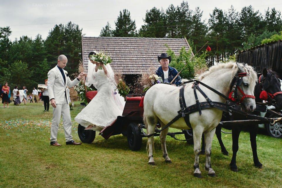 Humanistyczny ślub plenerowy 65