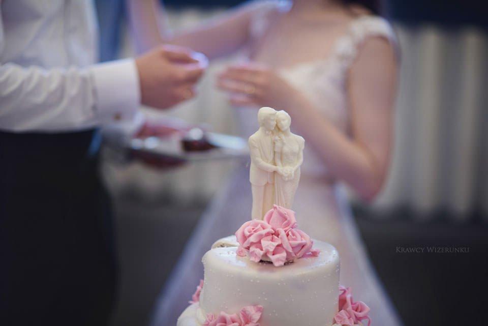 tort ślubny w grand hotelu