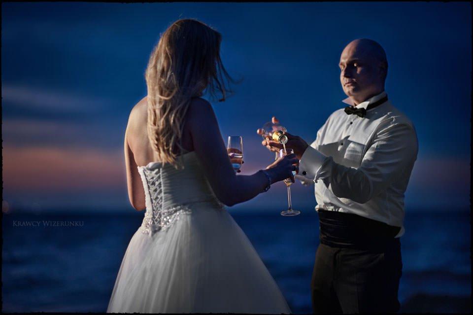 Sesja ślubna na moście i plaży 22