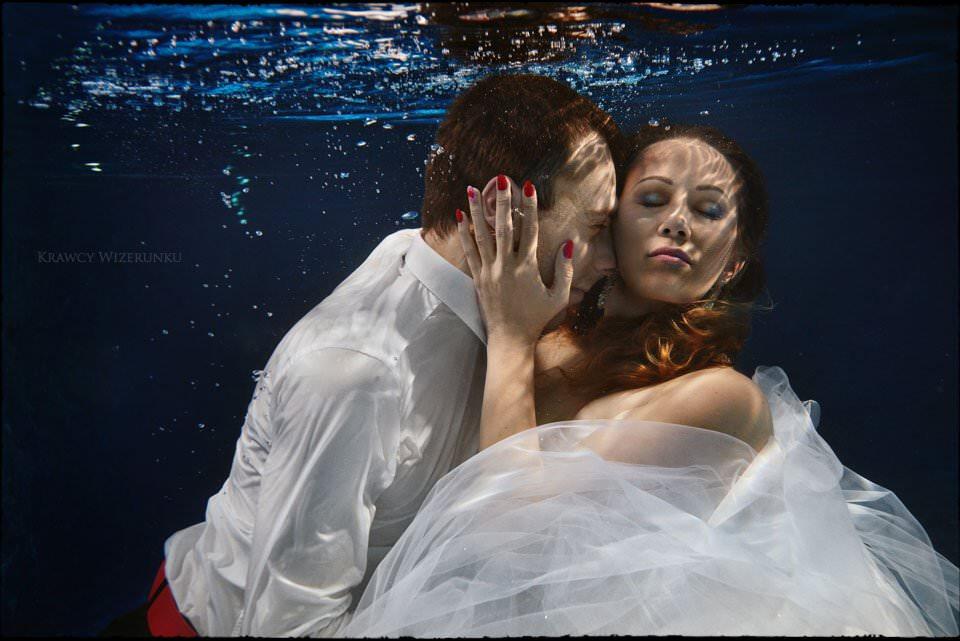 podwodne zdjęcia ślubne