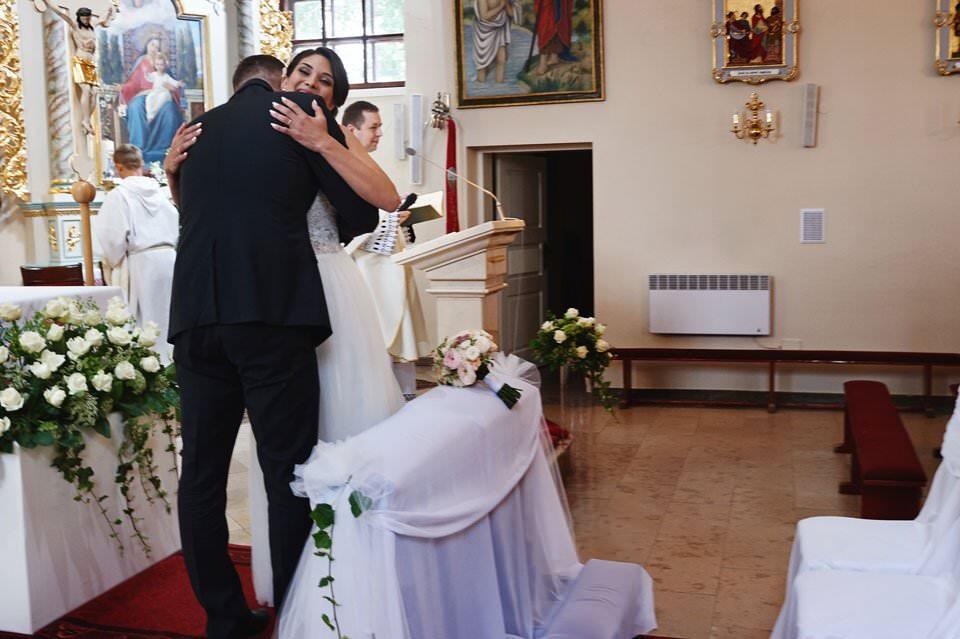 Sesja ślubna z końmi w Otominie 29