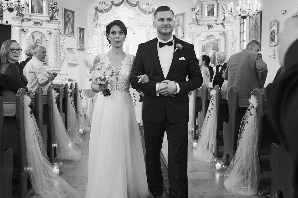 Sesja ślubna z końmi w Otominie 37