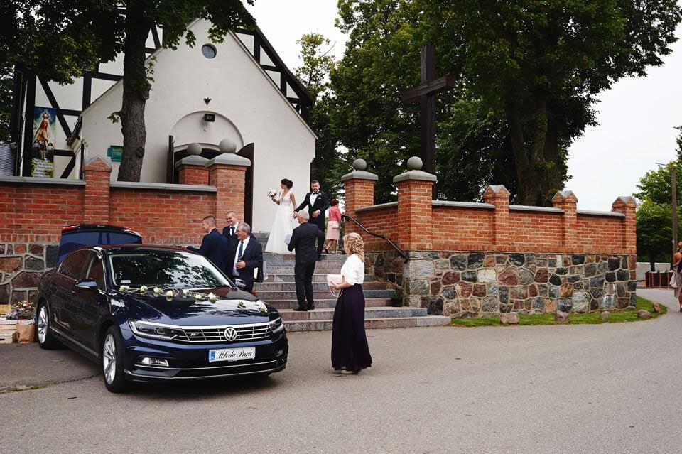 Sesja ślubna z końmi w Otominie 44