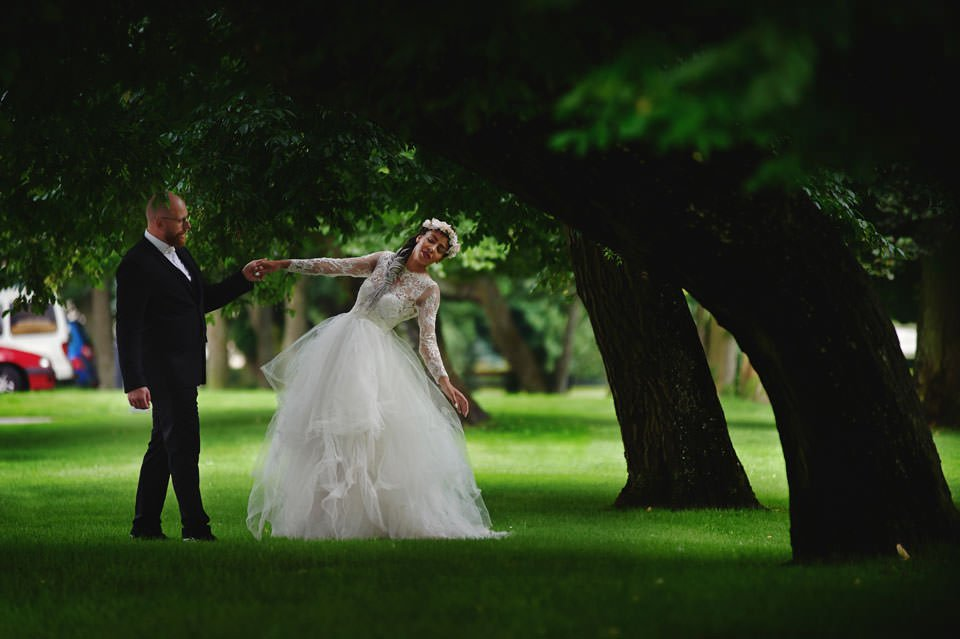 Paulina i Marcin | Dwa burzowe dni | Sesja w parku i na nadmorskim brzegu. 69