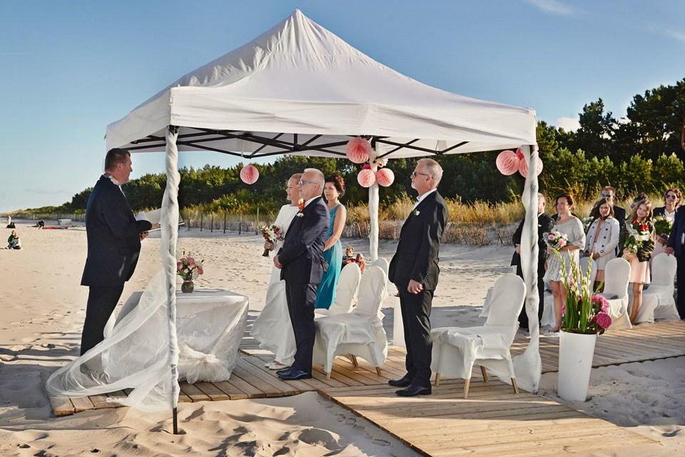 Ślub plenerowy nad morzem 31