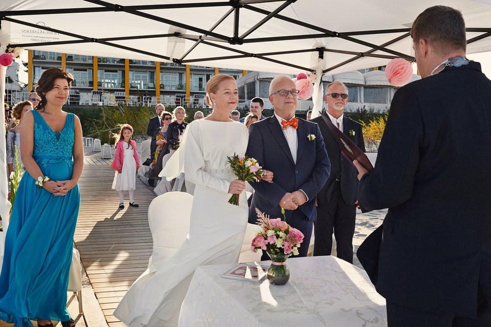 Ślub plenerowy nad morzem 34