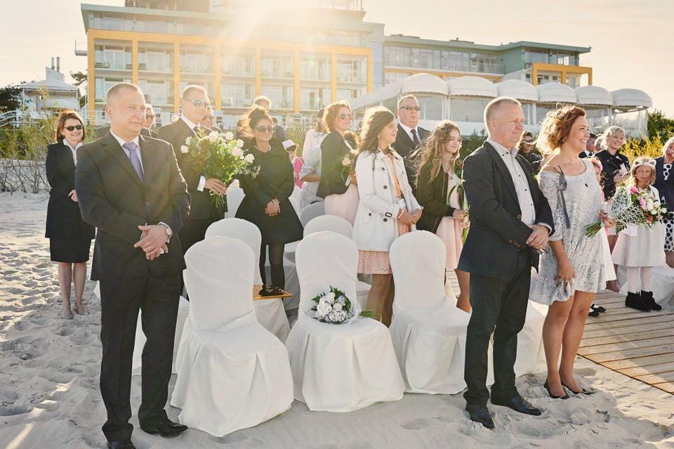 Ślub plenerowy nad morzem 36