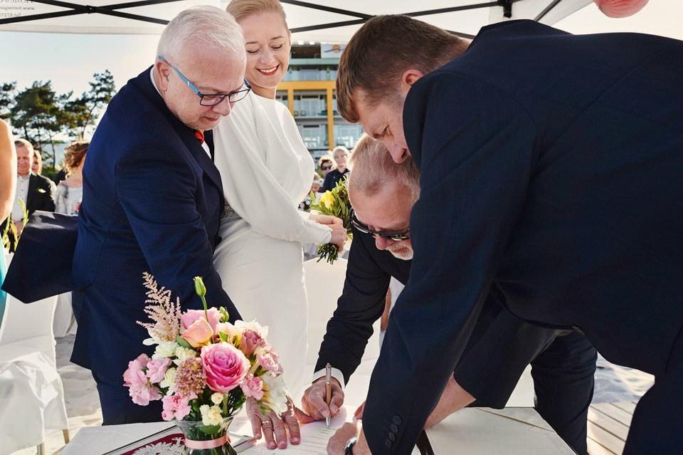 Ślub plenerowy nad morzem 42
