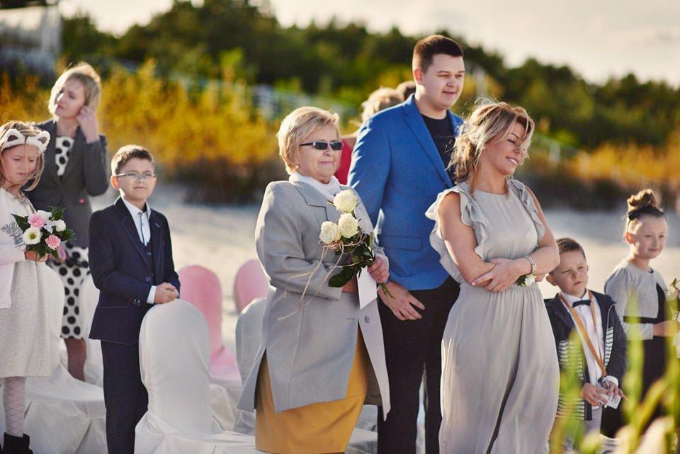 Ślub plenerowy nad morzem 43